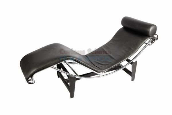 corbusier chaise longue examination couches. Black Bedroom Furniture Sets. Home Design Ideas