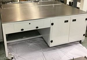 Laboratory bench x 2 sizes