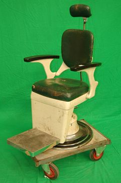 Period Dental Chair in Cream
